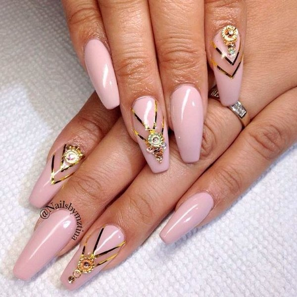 Источник: https://www.instagram.com/nailsbymztina/