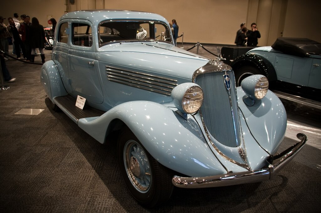 Studebaker Commander Land Cruiser Sedan» выпуска 1934 года. Источник: https://commons.wikimedia.org/wiki/File:1934_Studebaker_Commander_Land_Cruiser_Sedan_(4000265550).jpg