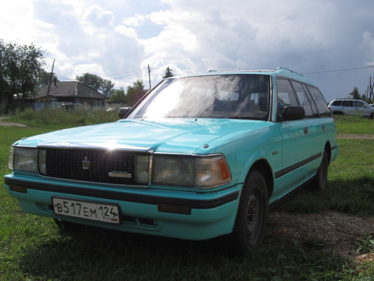 Toyota Crown GS130