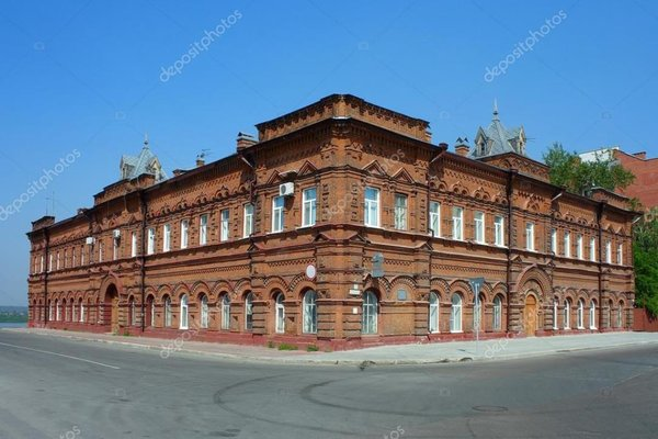 https://st.depositphotos.com/1003832/3187/i/950/depositphotos_31876839-stock-photo-tomsk-old-brick-building.jpg