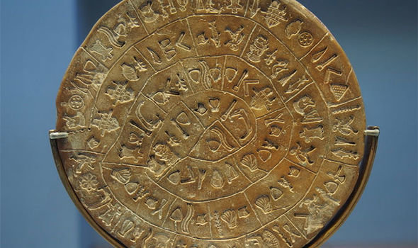 Фото: https://cdn.images.express.co.uk/img/dynamic/80/590x/Phaistos-Disk-1025437.jpg?r=1538478638905