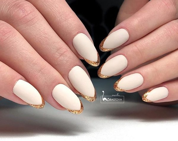 @lobastova_nails