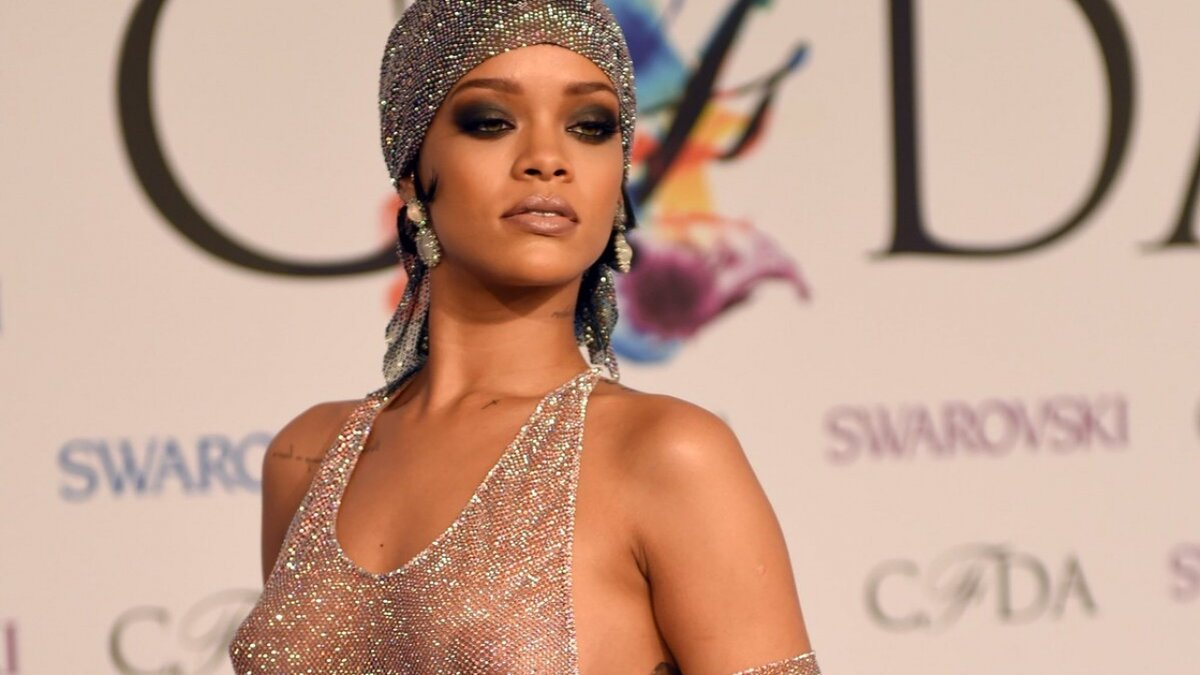 Tight young rihanna clit pictures massaging
