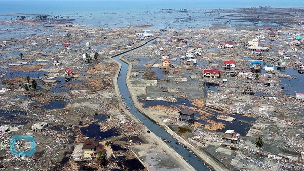 tsunami 2004 indian ocean earthquake and December 26, 2004: indian ocean tsunami strikes asia, killing 230,000 when the indian ocean tsunami struck, 10 years ago today, it was one of the biggest natural disasters in recorded history.