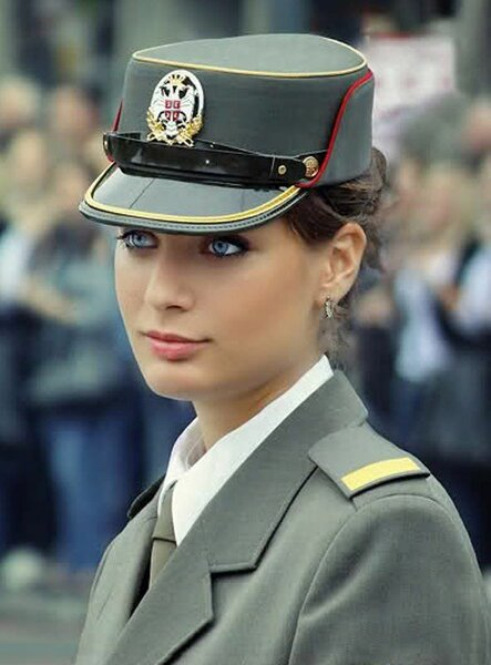 hot-military-women-around-the-world-kerner-young-pretty