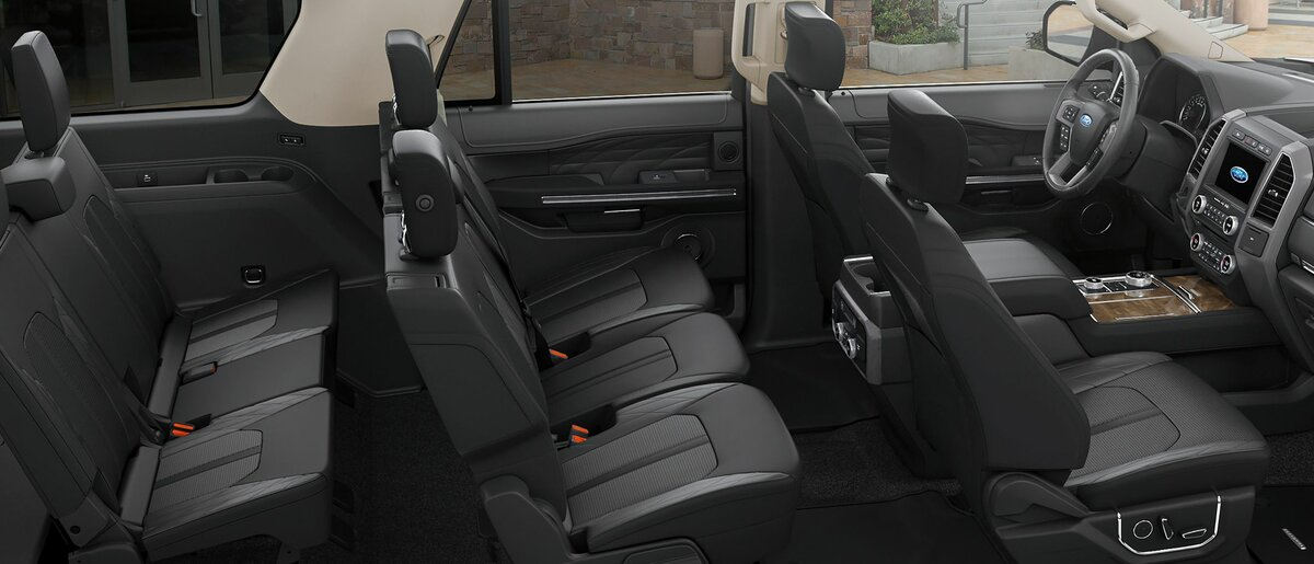 Панорамное фото салона Ford Expedition