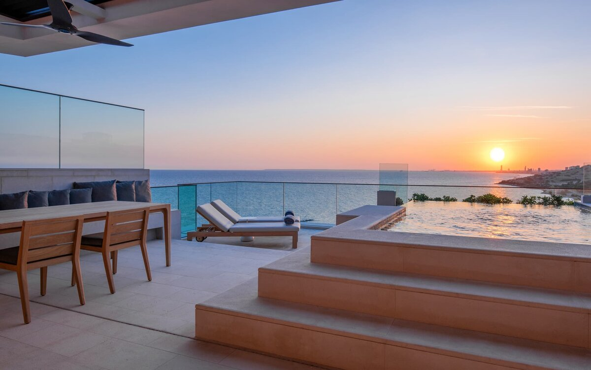 Roof Top Duplex Suite with Private Pool