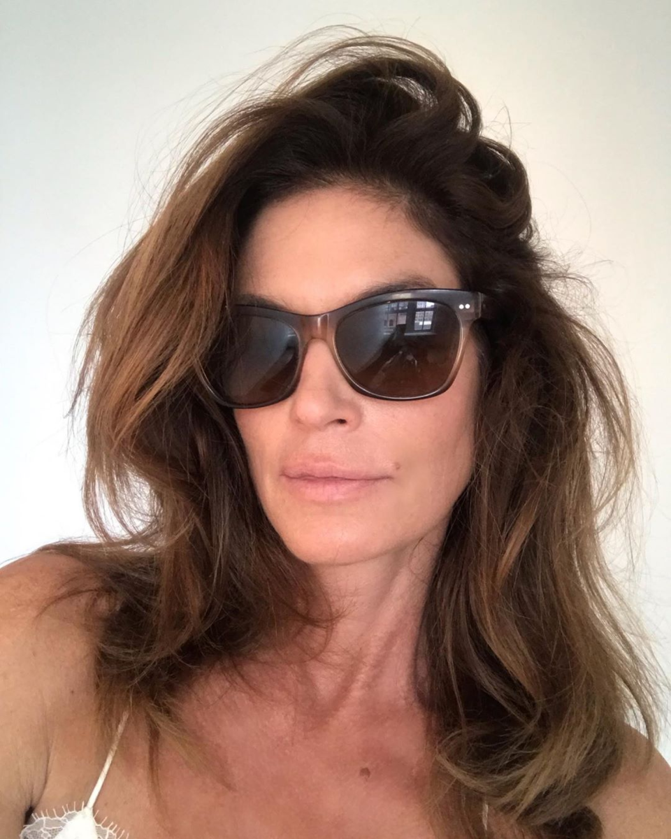 instagram.com/cindycrawford/https://www.instagram.com/jennifer_aniston_the_official
