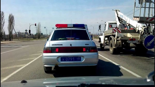 Источник: http://soroka48.ru/news/is-it-dangerous-to-actually-outrun-the-patrol-car