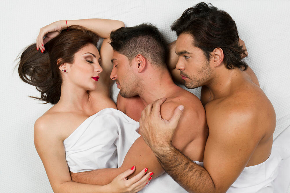 Threesomes dating