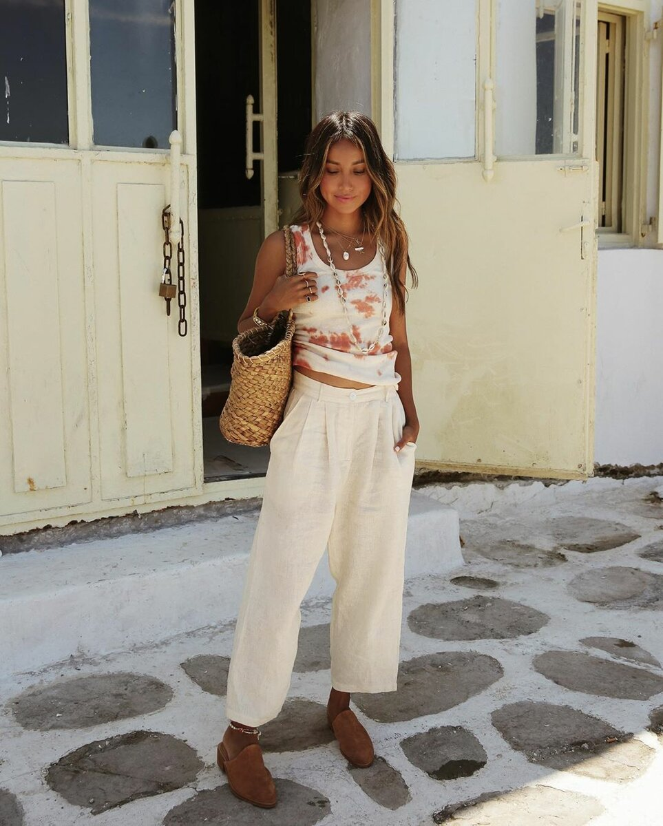 https://www.instagram.com/sincerelyjules/