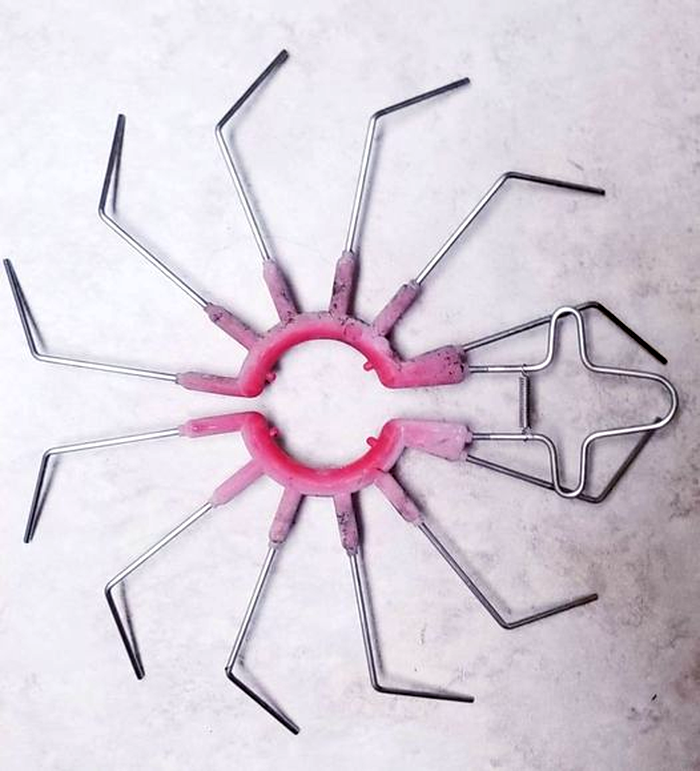 Источник: https://www.reddit.com/r/whatisthisthing/comments/nt9u4l/looks_like_a_pink_hollow_stainless_steel_spider/