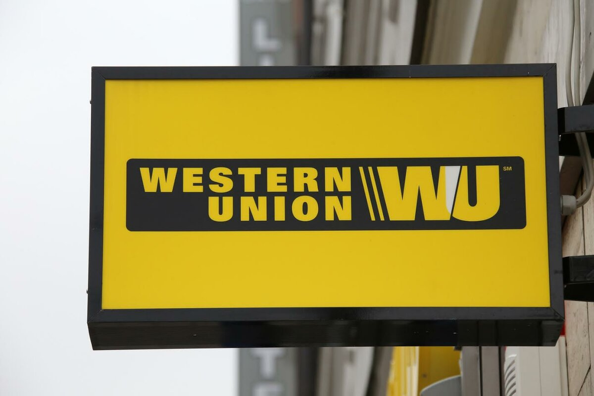 🔎 Примеры: The Western Union, American Express, Capital One Financial.
