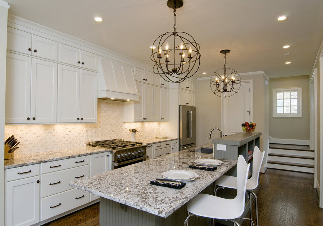 HOW TO STAGGER KITCHEN CABINETS