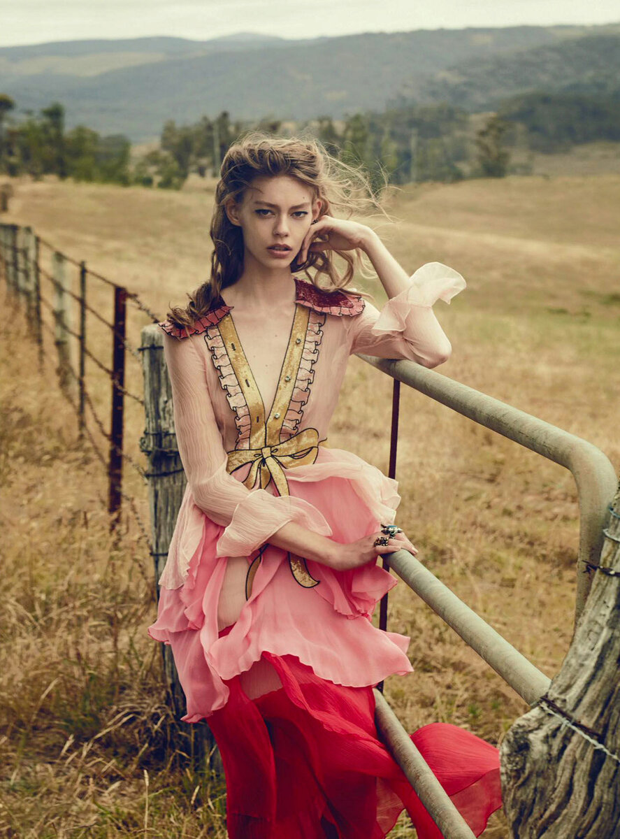 http://soul-sisters.ru/wp-content/uploads/2016/03/ondria-hardin-jimmy-young-whitforde-by-will-davidson-for-vogue-australia-march-2016-101.jpg