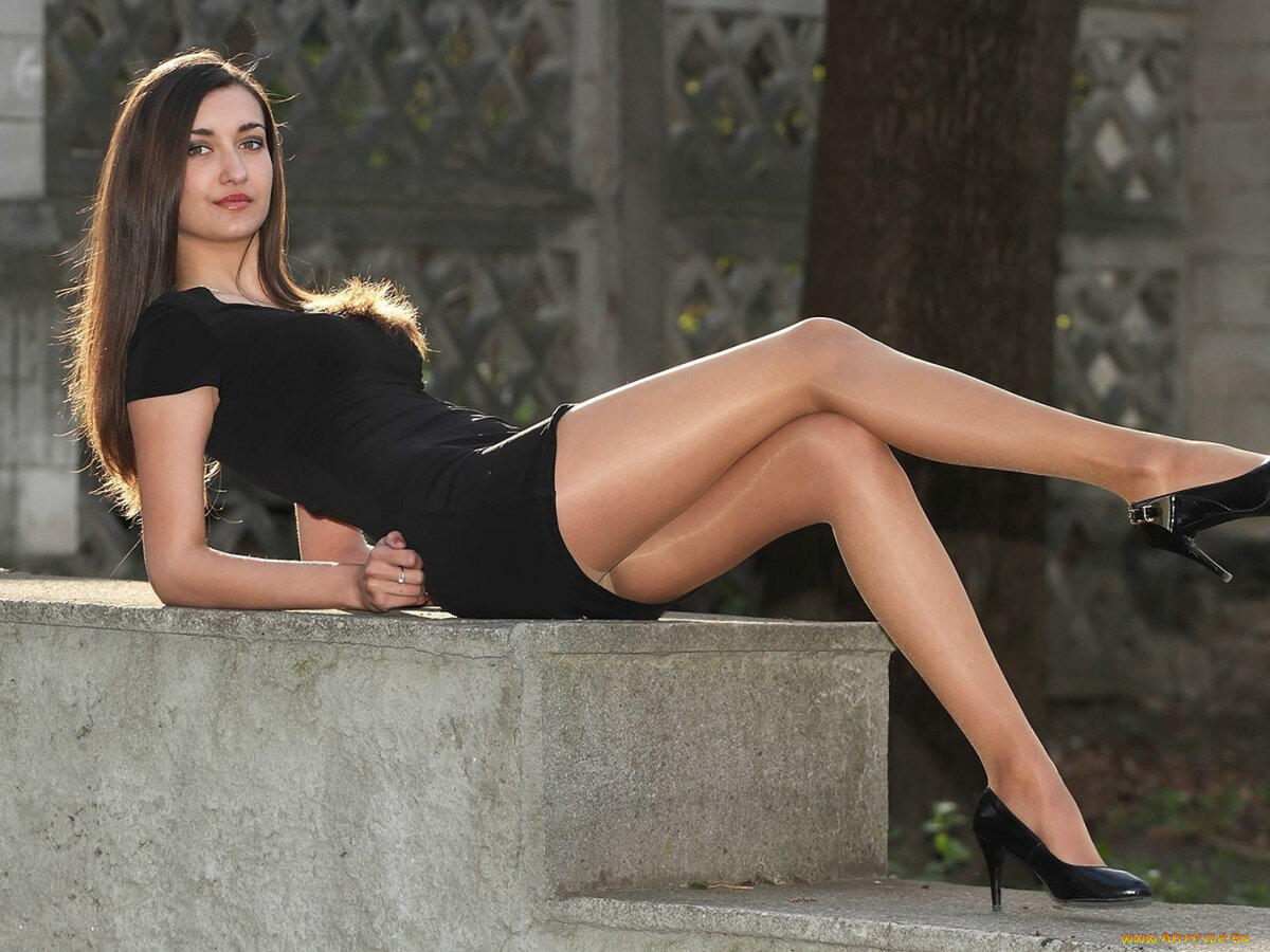 Sexiest legs in the world — photo 11