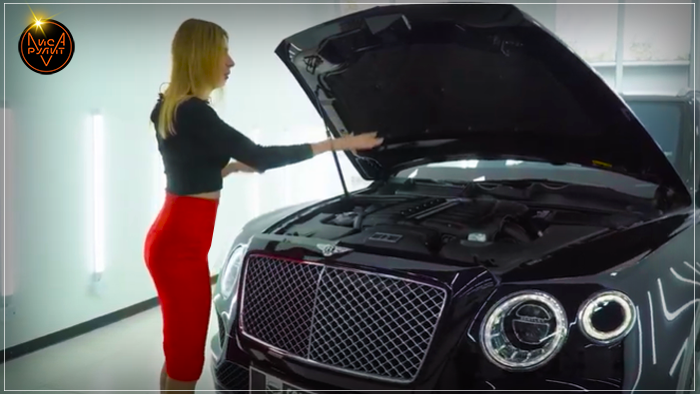 Лиса Рулит. Bentley Bentayga