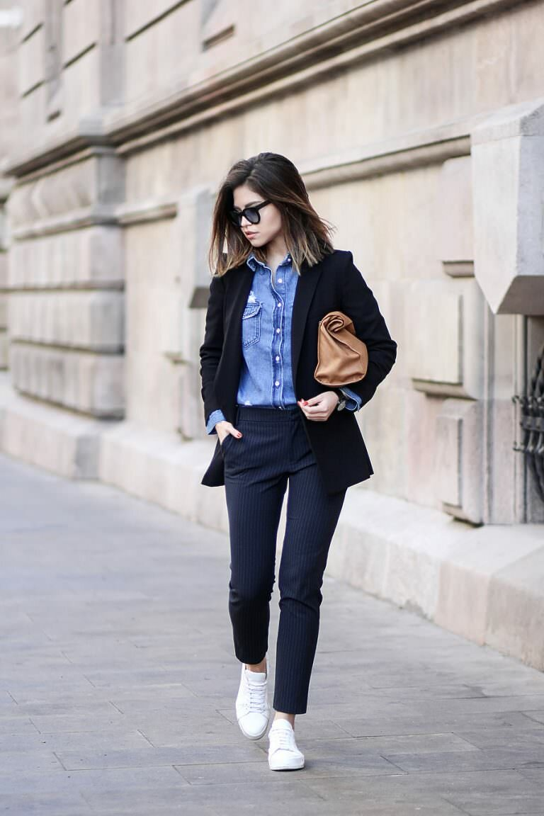 How to wear sneakers to work: stylish images for inspiration