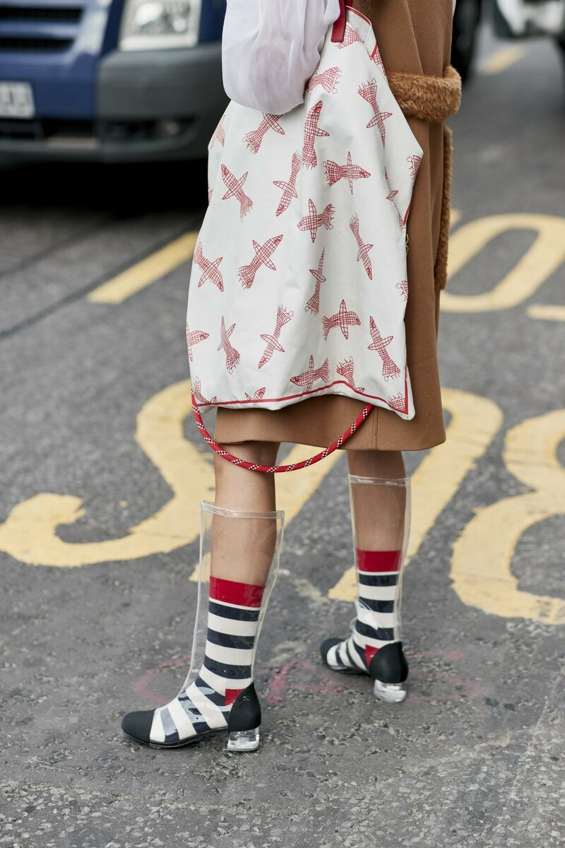 Five fashion trends that shouldn't be worn and why?