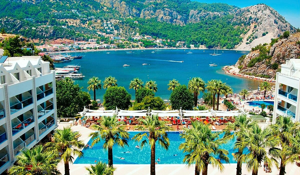 Источник фото: https://виза-туры.рф/images/hotels/turkey-marmaris.jpg
