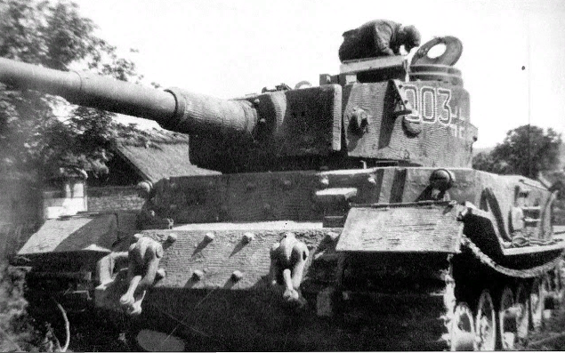 Command tank Tiger (P) VK 4501