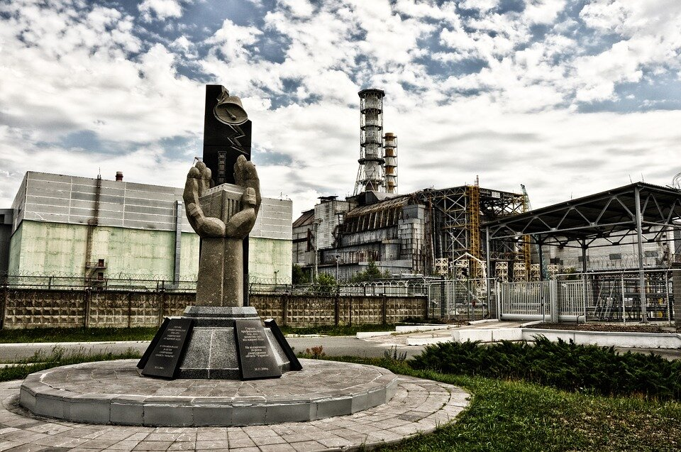 https://cdn.pixabay.com/photo/2016/05/05/18/27/pripyat-1374515_960_720.jpg