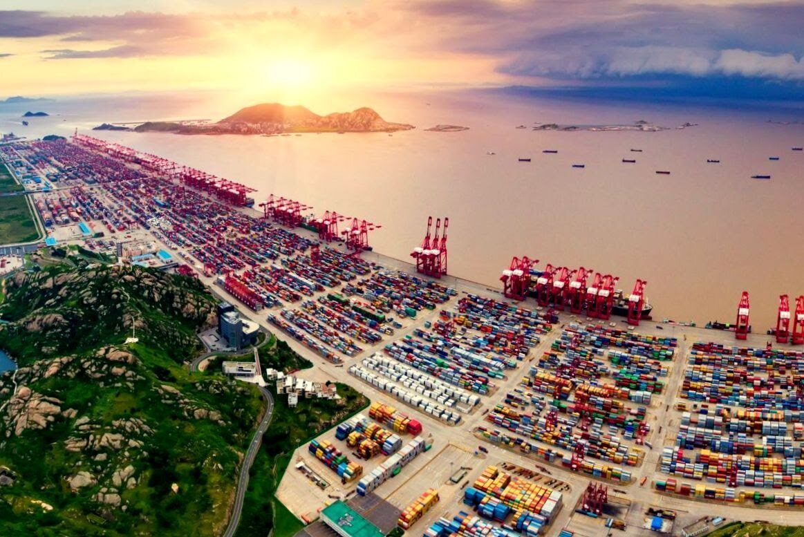The world's largest trading port of Shanghai.