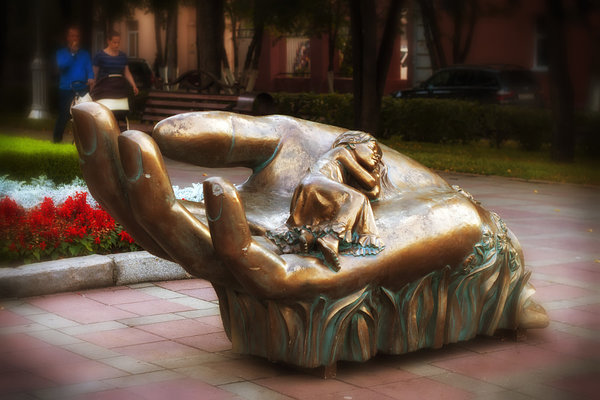 "sculpture ""The Cradle"", автор — Nick Patrin на 500px.com"