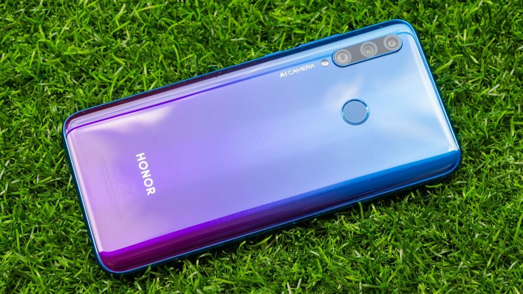 Honor 20 Lite является обновлением своего предшественника - Honor 10 Lite