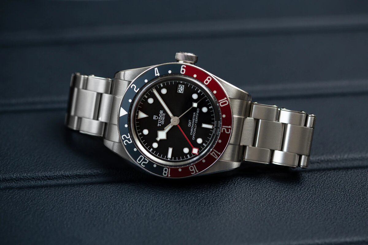 Another photo of the watch