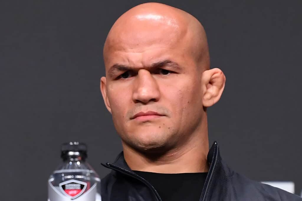 MMA News: Junior Dos Santos is disappointed that Fedor Emelianenko chose Timothy Johnson as a rival