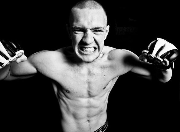 """The story of how 18-year-old Conor McGregor """"knocked out"""" in the amateur ring (Video)"""