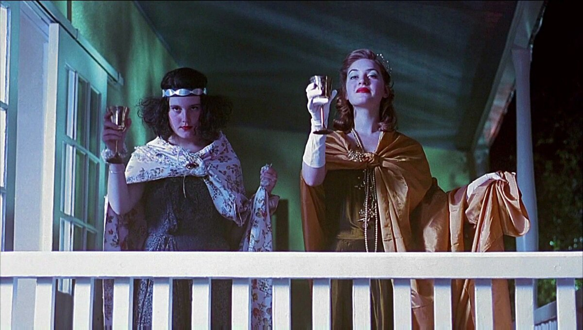 """Небесные создания""/ Heavenly Creatures, 1994"