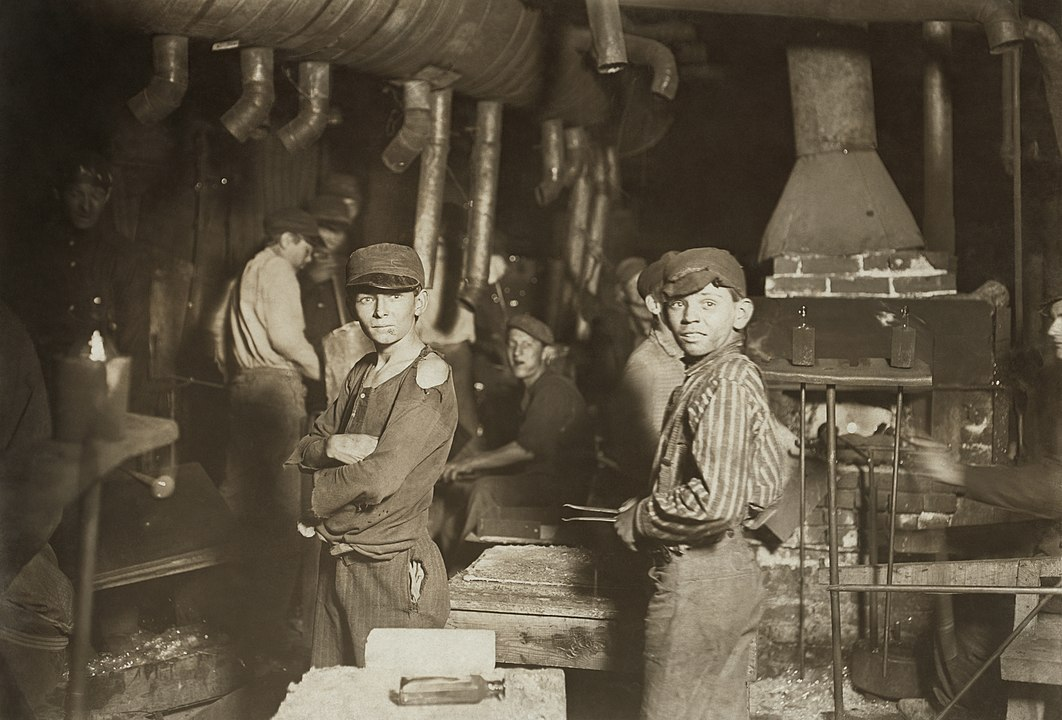 By Lewis Wickes Hine. Restored by Michel Vuijlsteke - Library of Congress[1], Public Domain, https://commons.wikimedia.org/w/index.php?curid=6294090
