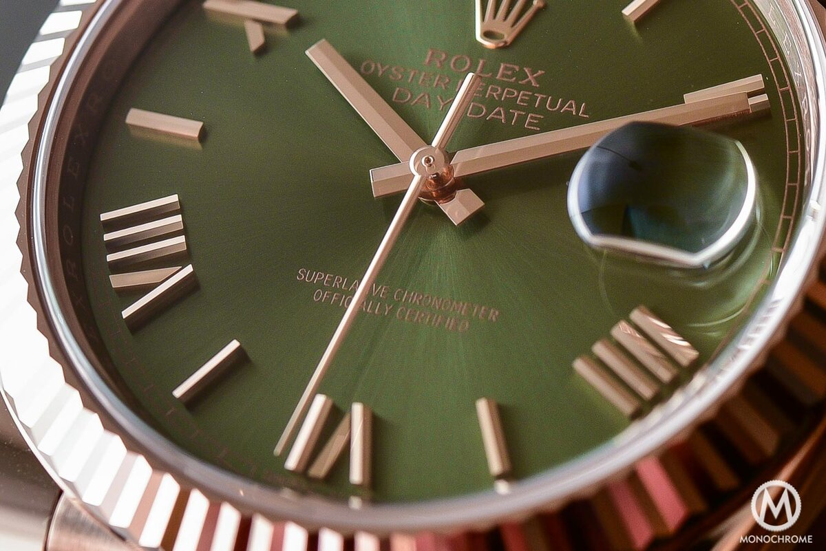 Lovely contrast rose gold with olive dial