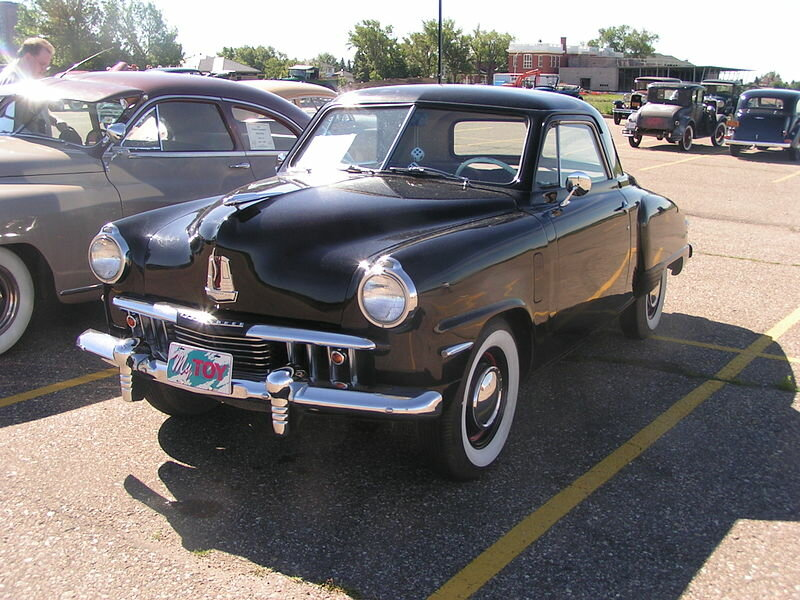 The Champion Coupe 1947г. (Источник фото: https://en.wikipedia.org/wiki/Studebaker_Champion#/media/File:1947_Studebaker_Champion_(537880867).jpg)