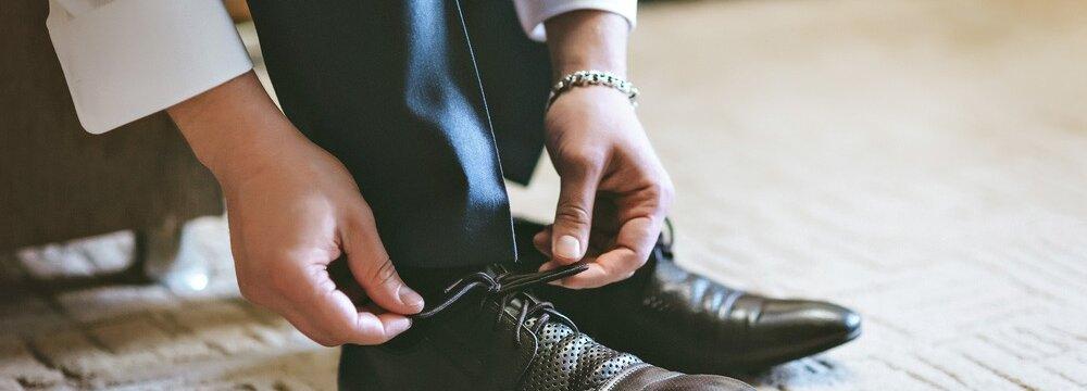 Модно ли вернуть новую обувь если она воняет и ходил по офису