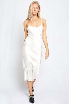 белое атласное платье.jpg