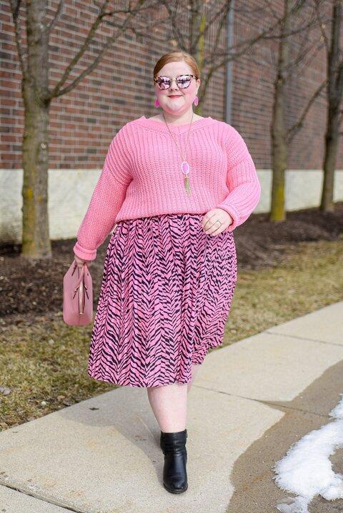 Neon-Pink-Plus-Size-Outfit-from-Studio-Untold-at-Ulla-Popken-2.jpg