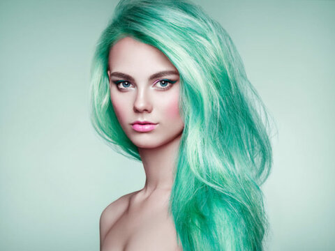 https://star-cats.com/wp-content /uploads/2020/04/beauty-fashion-model-girl-with-colorful-dyed-hair-DVPL2A9-600x450.jpg