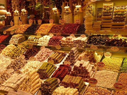 https://get.pxhere.com/photo/city-meal-food-produce-bazaar-market-marketplace-business-dessert-delicious-public-space-market-stall-turkey-istanbul-grocery-store-oriental-sweetness-patisserie-confectionery-turkish-bazar-whole-food-knabberzeug-turkish-delight-human-settlement-greengrocer-725162.jpg