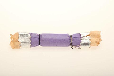 Елочная игрушка «Конфета хлопушка», нач. XX века. Бумага, картон, фольга