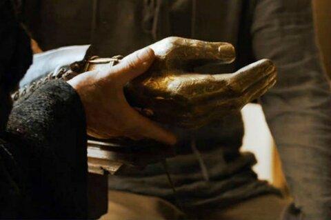 9. Золотая рука игра престолов, сериалы