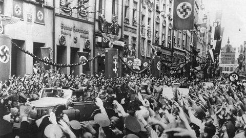 Данциг (Гданьск) приветствует Гитлера, 19 сентября 1939 года / Фото: ИноСМИ