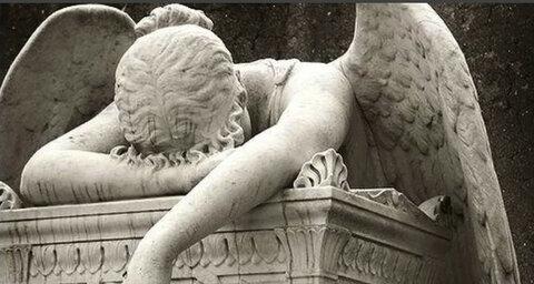 Screenshot_2020-07-17 фото женщины ангела с крыльями склонившейся на могильный постамент 7 тыс изображений найдено в Яндекс[...](3).png