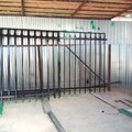 Монтаж металлических столбов