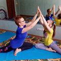 Детская йога, парная йога с мамой.