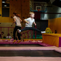 Занятие по акробатике: в группе – 3 варианта