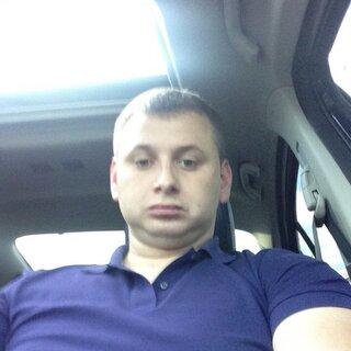 Денис Долгов