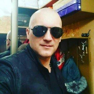 Денис Стартов